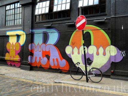 East London Walking Tour - Slums & Street Art Self Guided Walking Tour