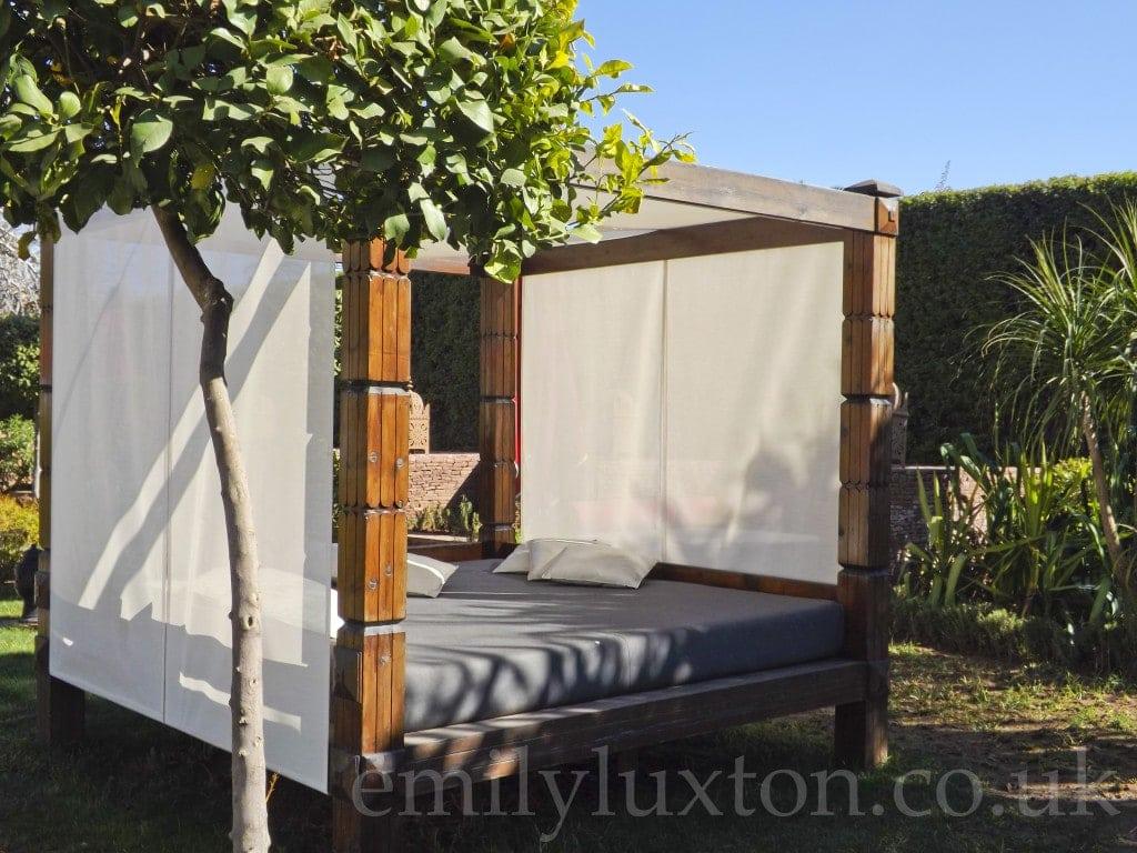 Sofitel - Poolside Bed