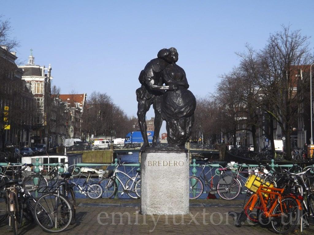 Amsterdam, Statue