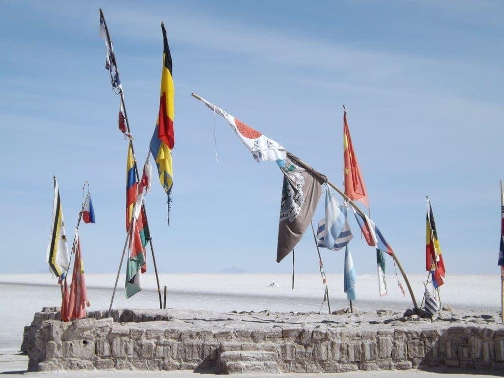 Salar Day Four, Flags