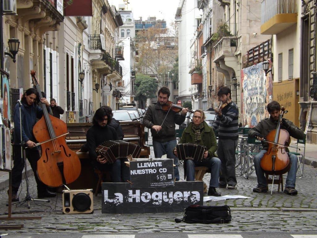 Street Performers in San Telmo Market
