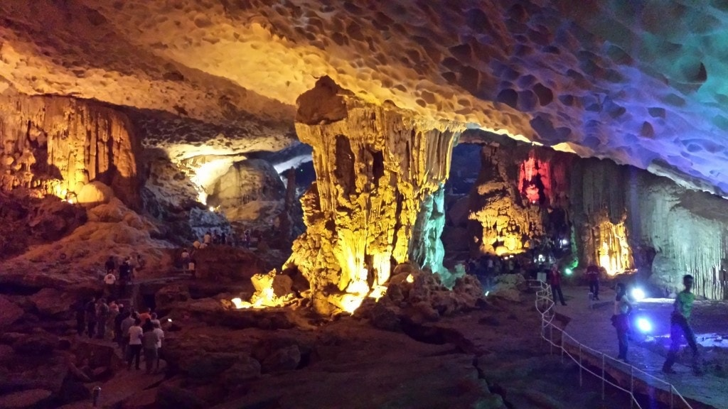 Sung Sot Cave, Halong Bay