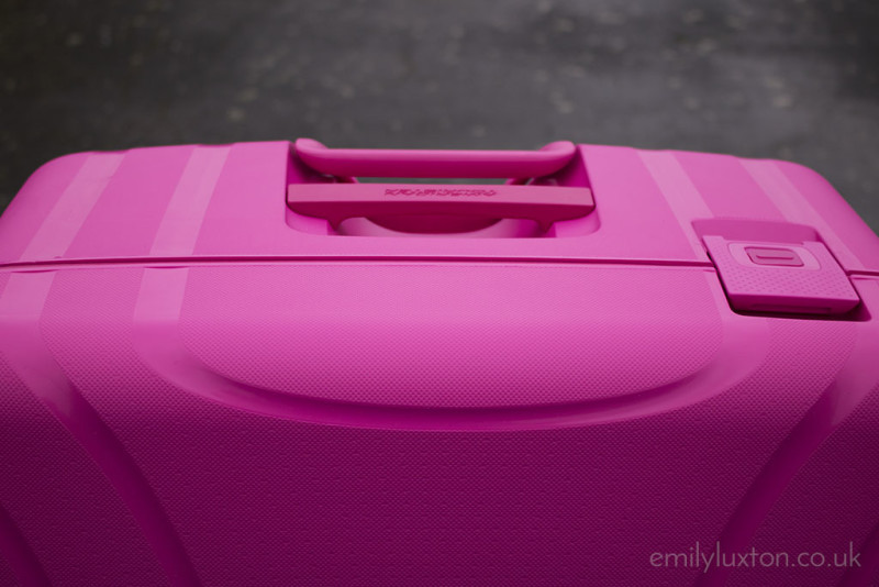 Lock n roll suitcase review