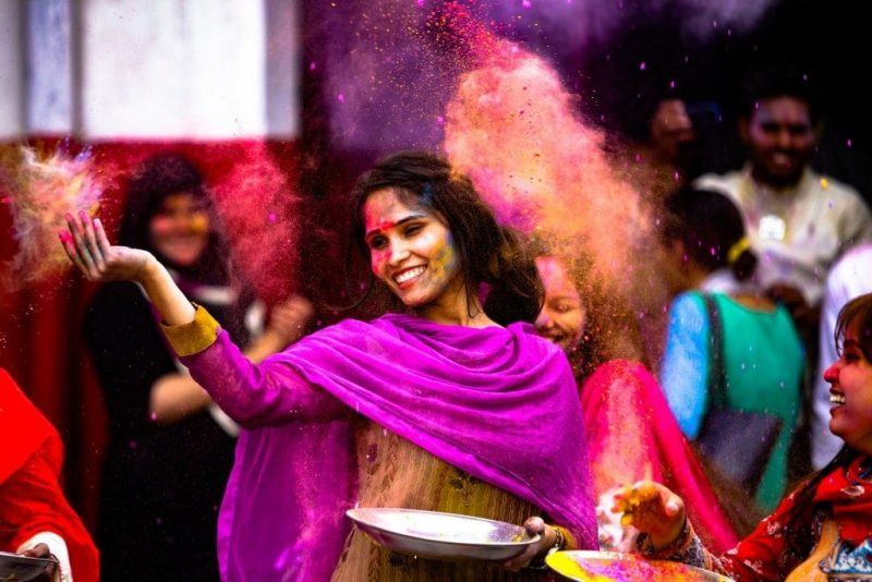 Girl's Guide to Holi in India
