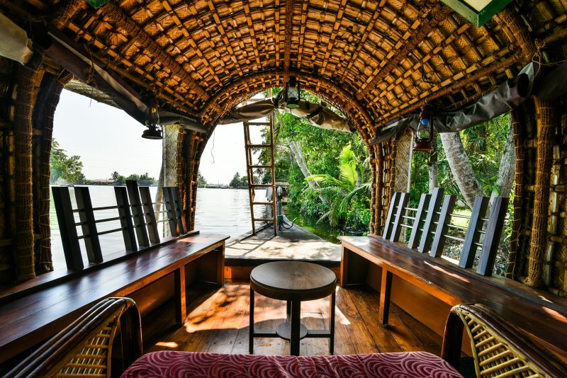 Experiences in Kerala - Cruise the backwaters on a houseboat